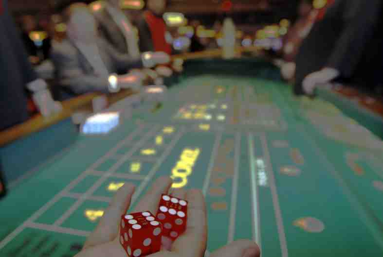 play casino table games online canada
